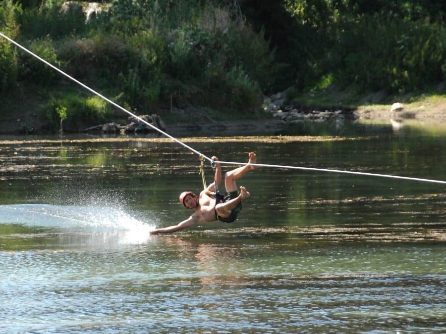 Parcours aventure accrobranche à Millau au bord du Tarn