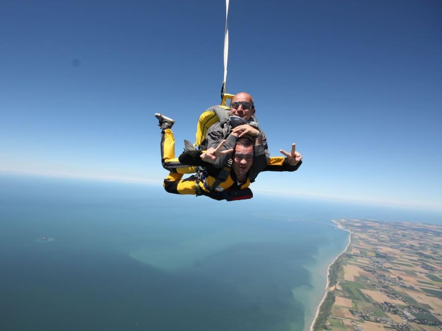 Saut en parachute tandem entre Etretat et Le Havre