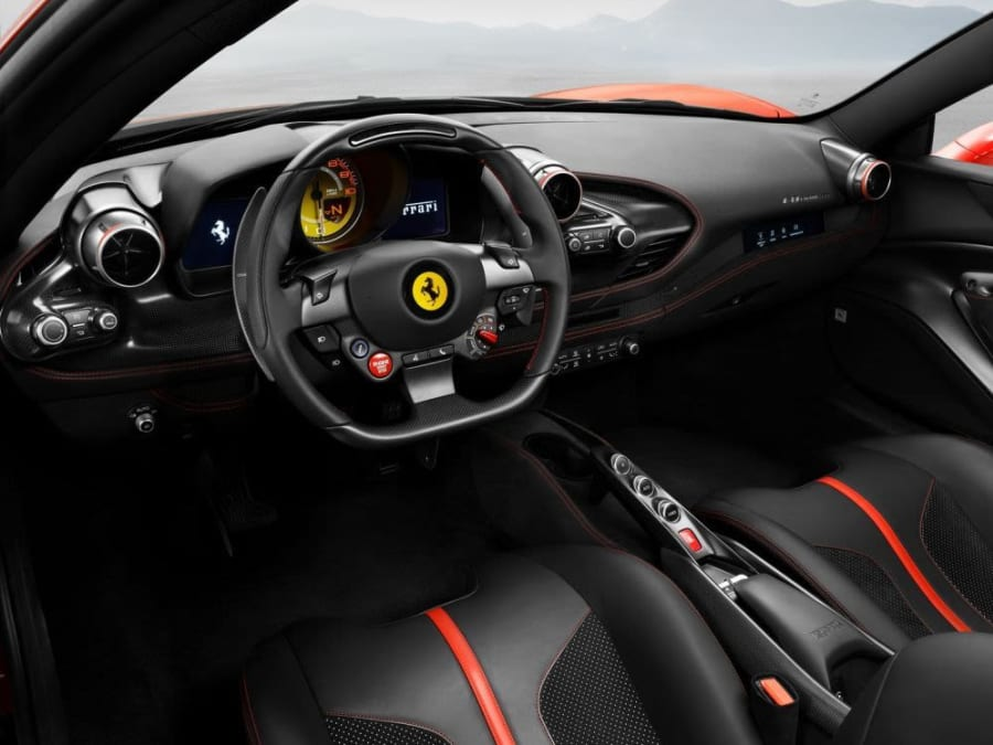 Stage pilotage Ferrari F8 Tributo - Circuit de Vaison (71)