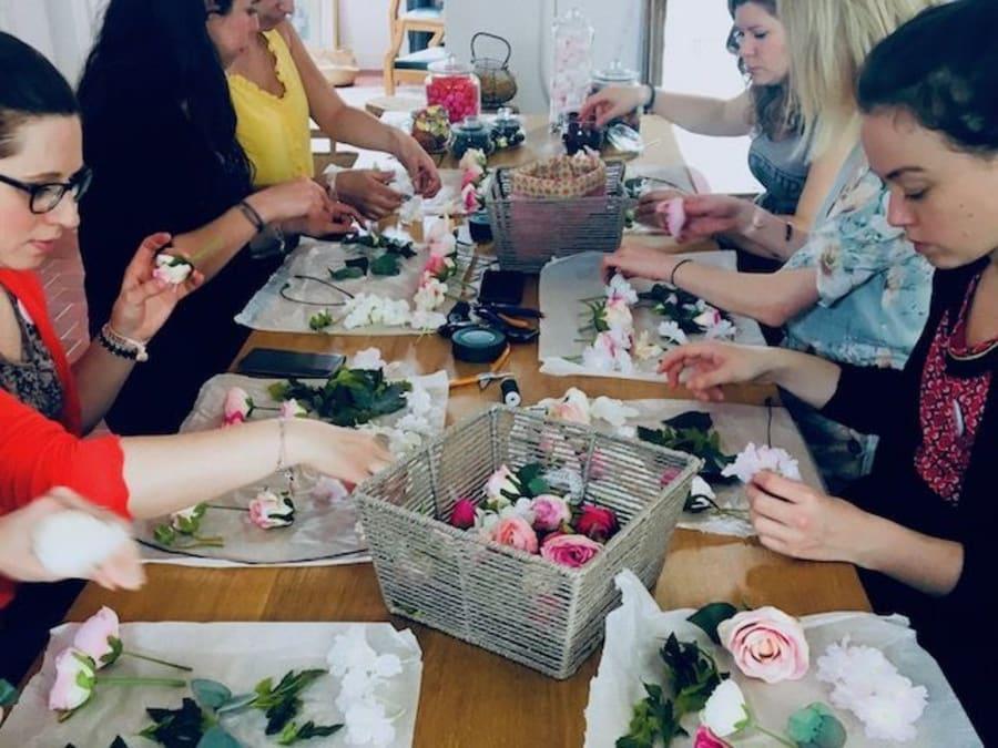 Atelier fleurs spécial EVJF à domicile
