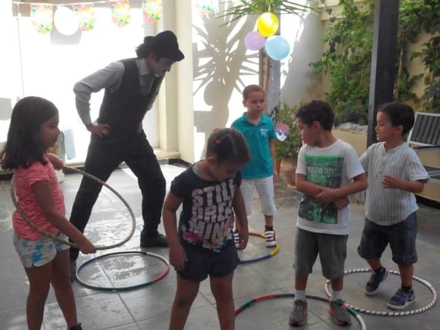 Anniversaire Cirque & Magie 3-12 ans à domicile (Île-de-France)