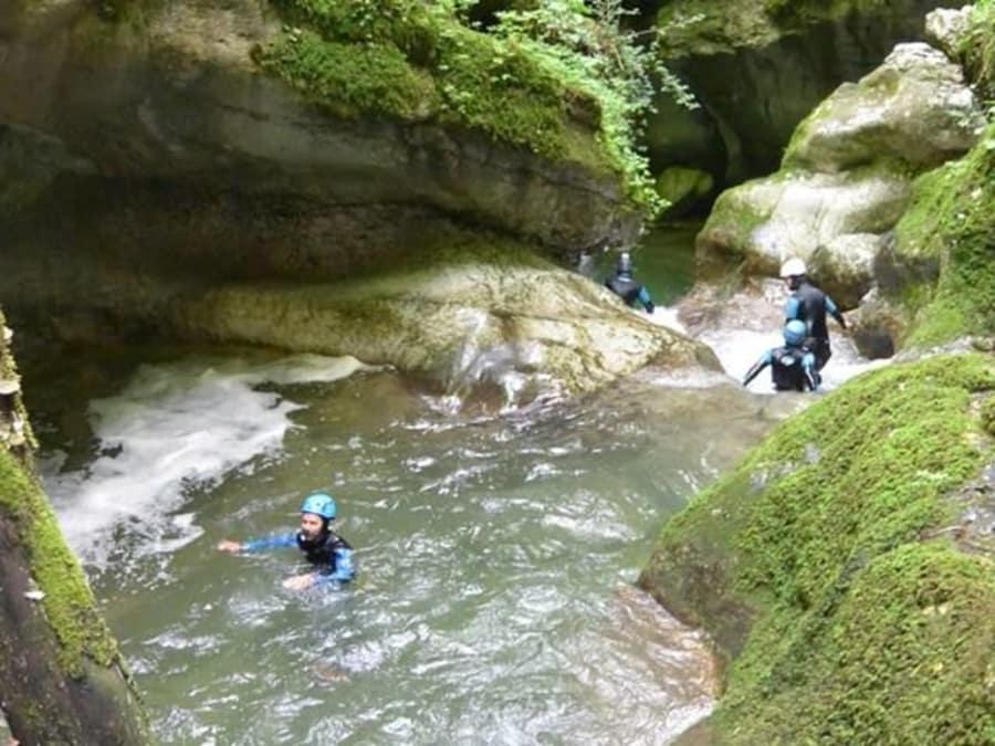 Canyoning  dans le canyon du Furon près de Grenoble (38)