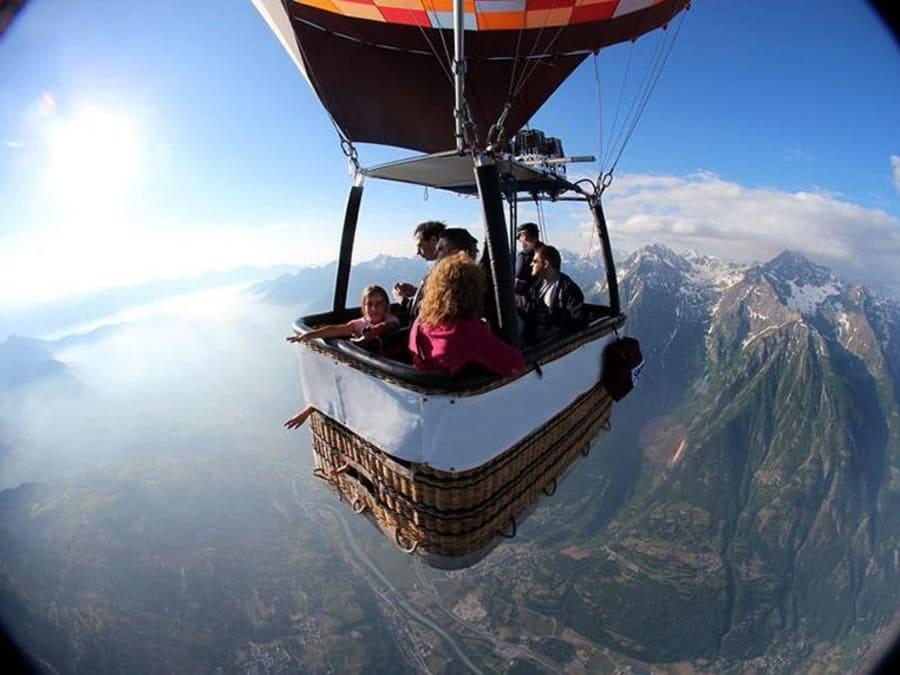 Tour en Montgolfière au dessus des Alpes - Vallée d'Aoste