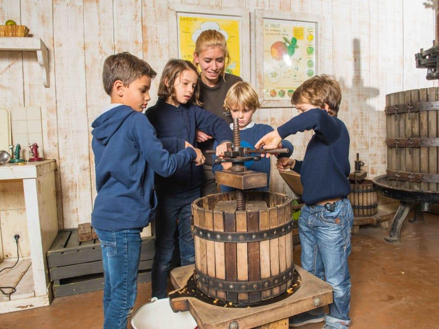 Atelier Jus de Pomme & animaux Ferme de Gally (Sartrouville)