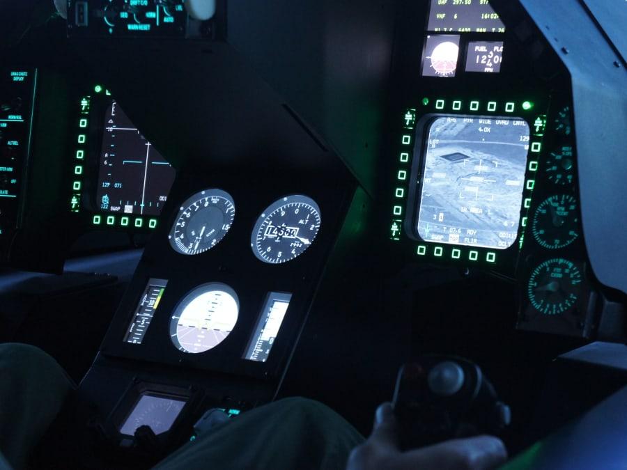 Simulateur de pilotage d'avion de chasse F-35 à Nice