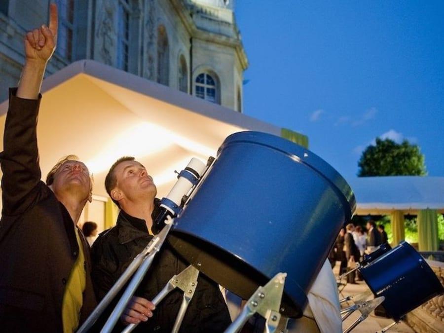 Observation du ciel avec du matériel pro à domicile (France)