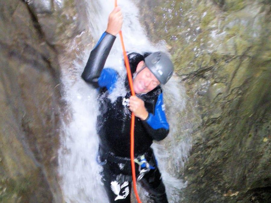 Canyoning dans le canyon de Vesonne proche du lac d'Annecy (74)