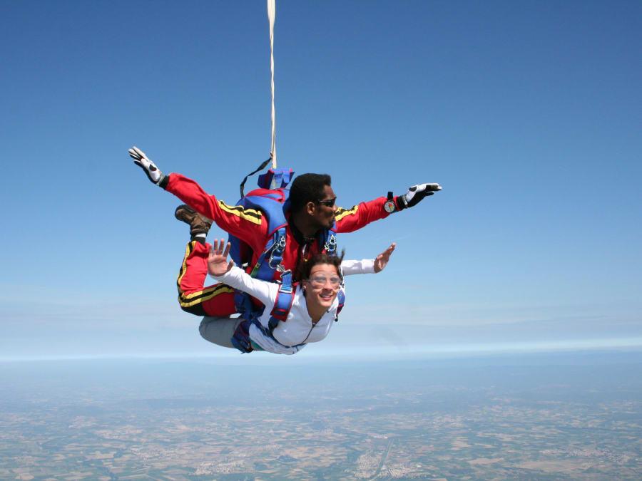 Saut en parachute tandem dans le Jura Lons le Saunier