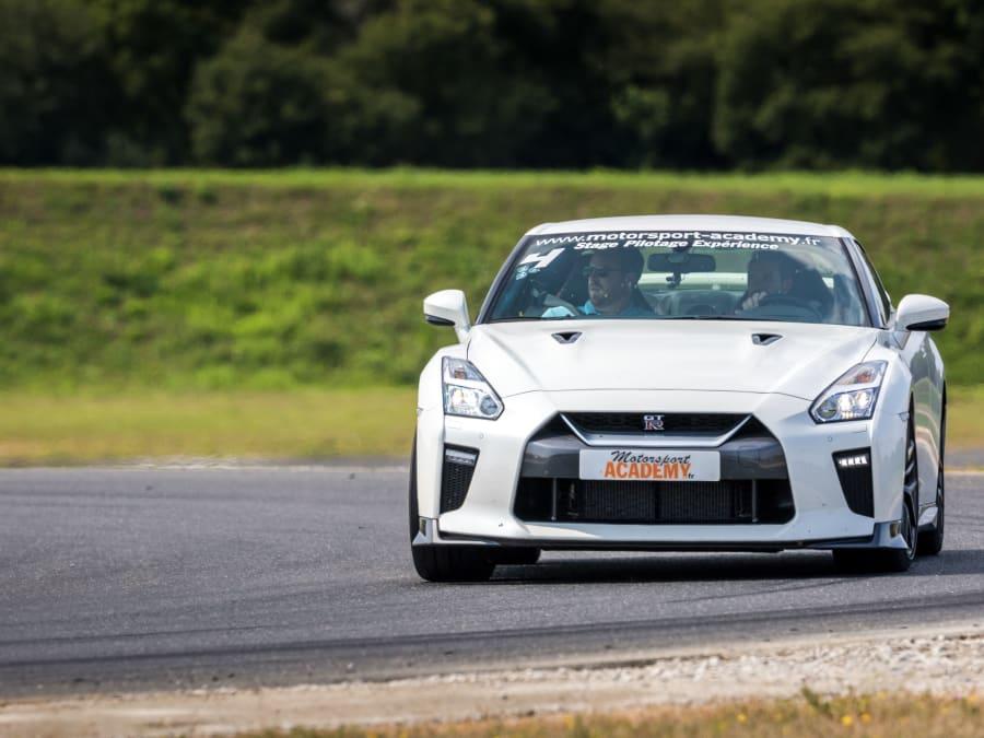 Stage de pilotage Nissan GT-R - Circuit Fay de Bretagne