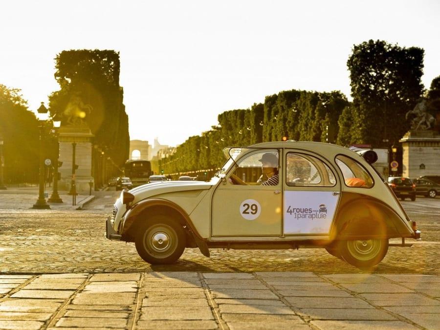 Team Building Rallye Murder Party à Paris en 2CV