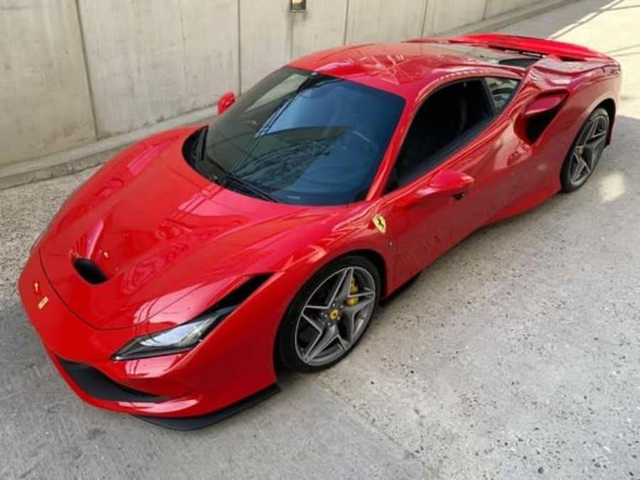 Stage de pilotage Ferrari F8 Tributo - Circuit de Pont l'Evêque