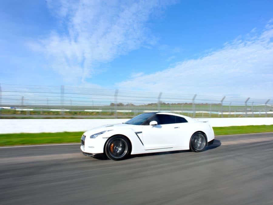 Stage de pilotage en Nissan GTR - Circuit de Haute Saintonge