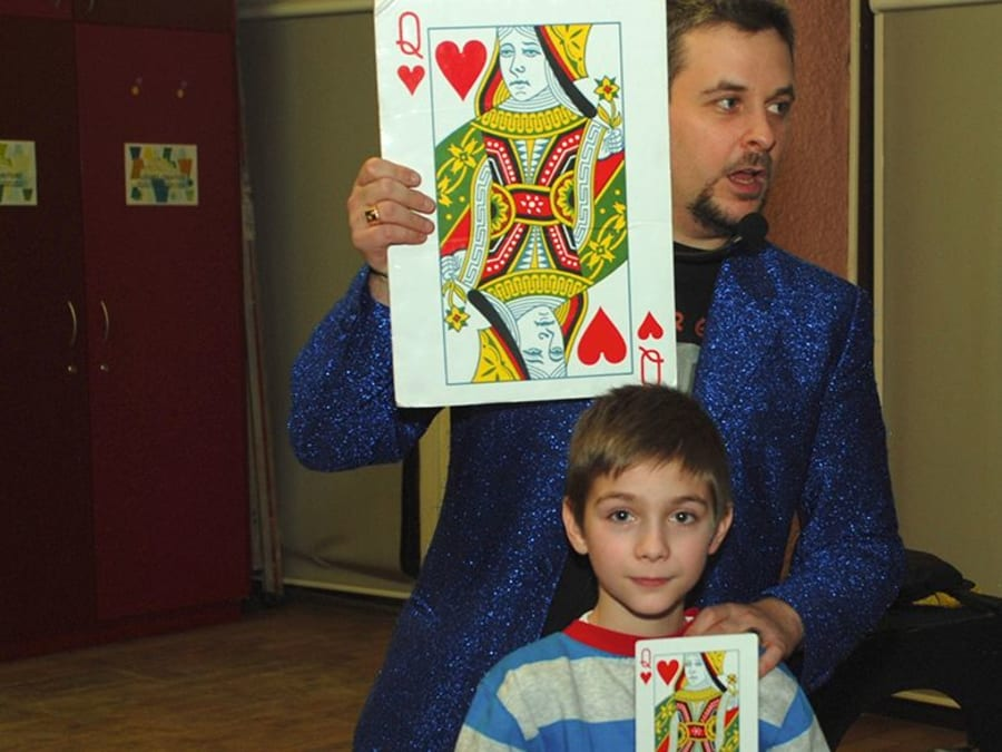 Anniversaire Magie 5-12 ans : magicien professionnel à domicile