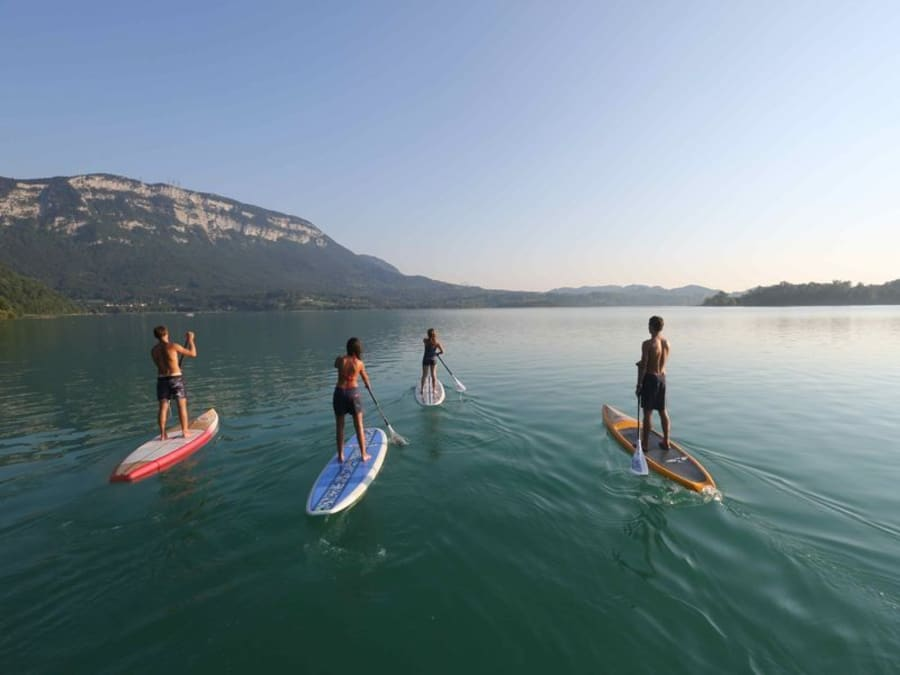 Stand-up paddle au Lac d'Aiguebelette (73)