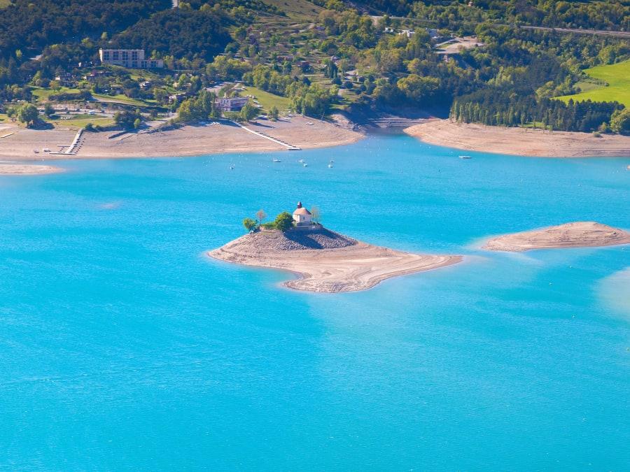 Vol en Montgolfière depuis le lac de Serre-Ponçon proche de Gap