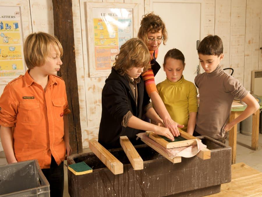 Atelier Papier & animaux à la Ferme Ouverte de Saint-Denis
