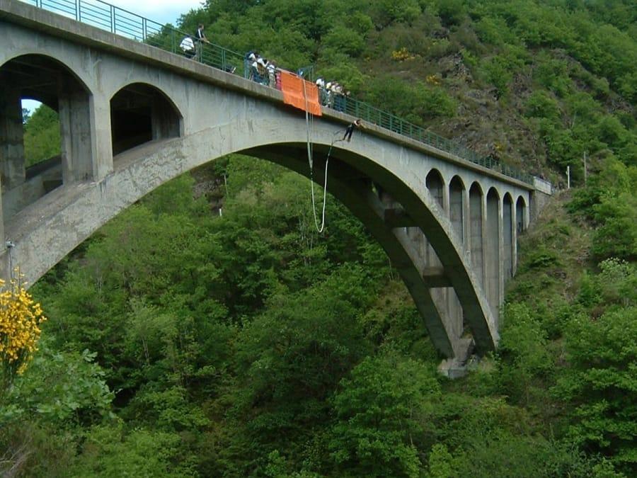 Saut à l'élastique du Pont de Bézergue dans le Tarn (81)