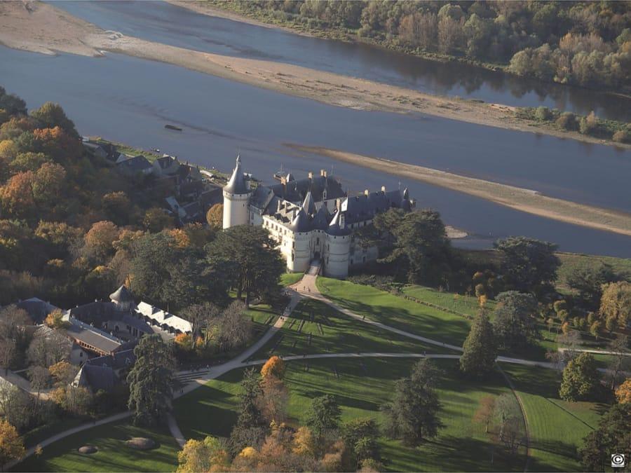 Survol des châteaux de la Loire en ULM depuis Francueil (37)