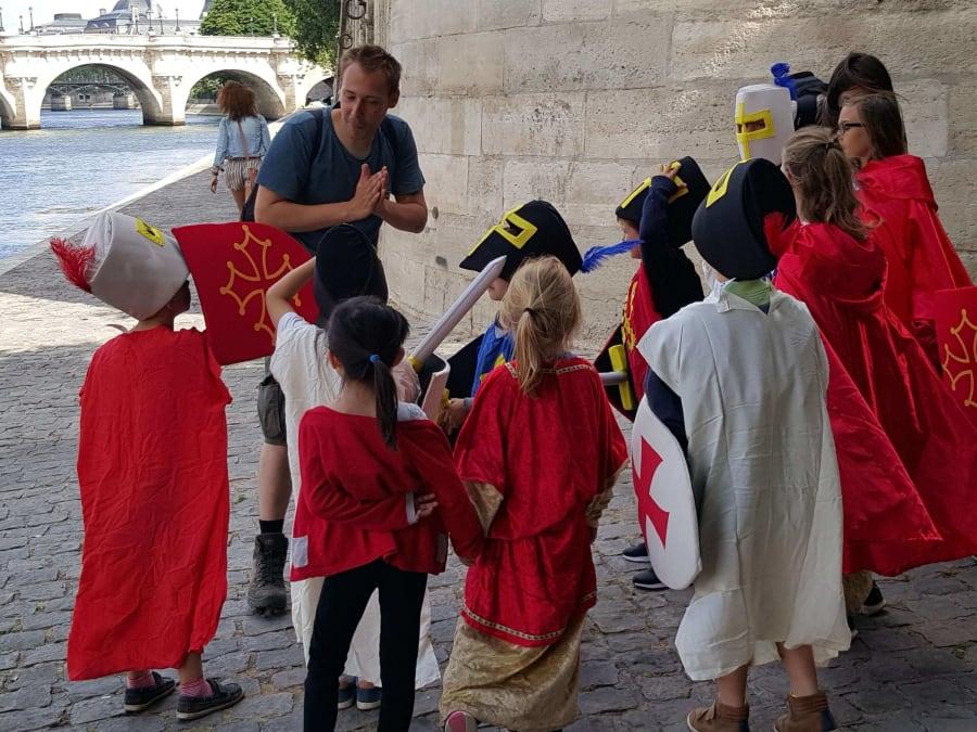 Balade costumée pour enfants au Paris du Moyen-Âge (6e)