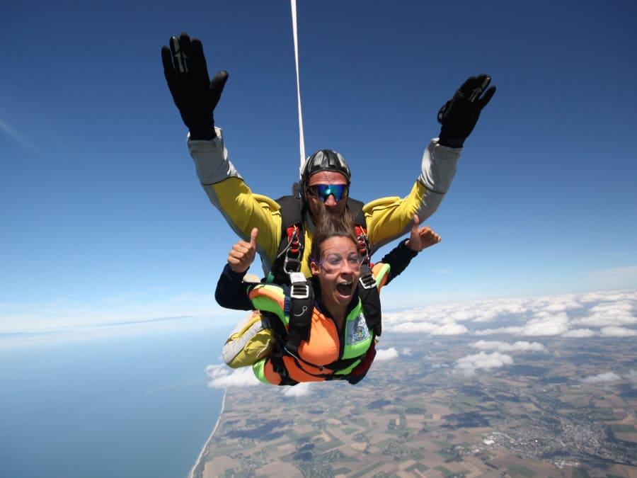 Saut en parachute tandem au Mont Saint Michel !