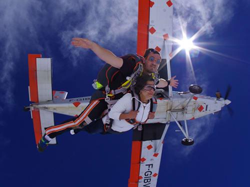 Saut en parachute à Chambéry : Savoie Parachutisme