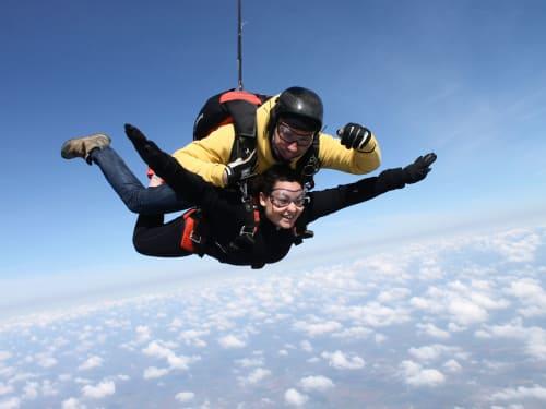 Saut en parachute à Péronne : GEGE Skydive