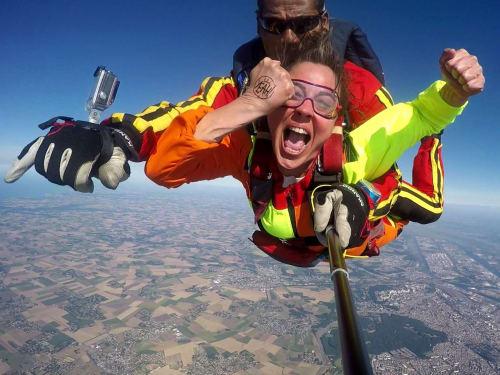 Saut en parachute à Nuits-Saint-Georges : AirExtrem Parachutisme