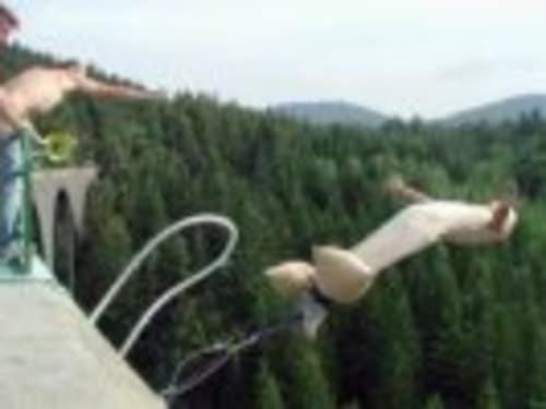 Cap Liberty : saut à l'élastique au Monastier sur Gazelle