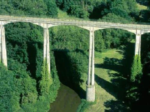 Elastique record - viaduc à Saint Georges le Gaultier