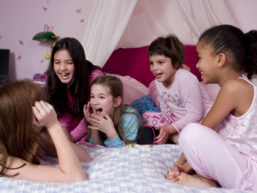 Anniversaire Soirée Pyjama 9-12 ans à domicile (IDF) - Funbooker