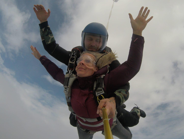 Saut en parachute près de Vichy : Auvergne Chute Libre - Charmeil