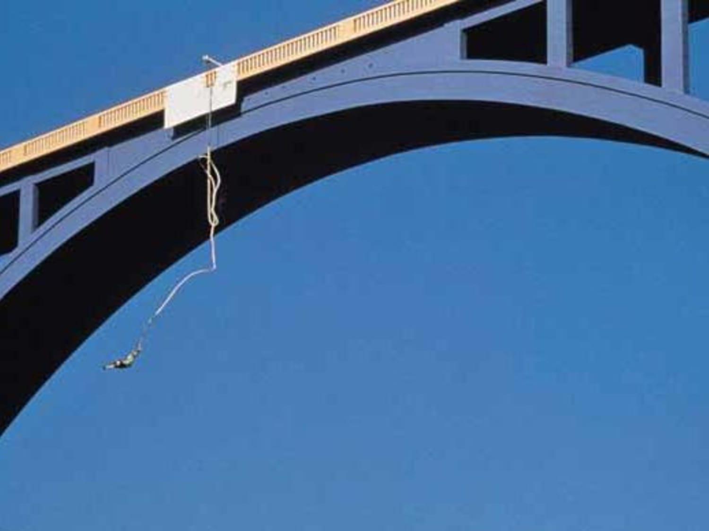 Saut à l'élastique au Pont de Ponsonnas : Vertige Aventures - Ponsonnas