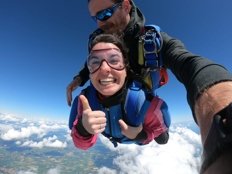 Saut en parachute aux Sables-d'Olonne : Vendée Evasion Parachutisme - Le Château-d'Olonne