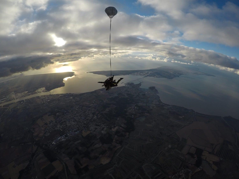 Saut en parachute à La Rochelle : Big'Air Parachutisme - Saint-Just-Luzac