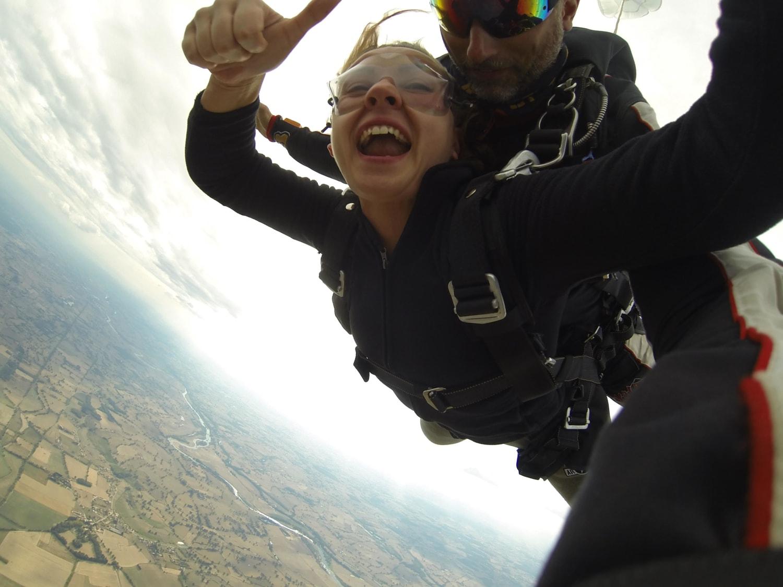 Saut en parachute en Rhônes Alpes : FL140 Parachutisme - Saint Yan