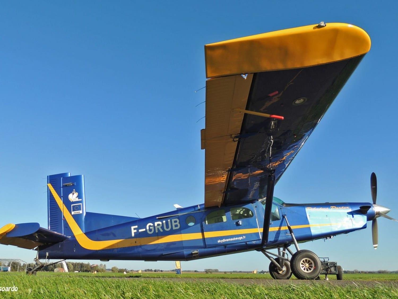 Saut en parachute près de Maubeuge : Skydive Maubeuge - Vieux Reng