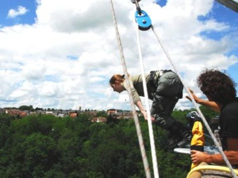 Saut à l'élastique depuis le Viaduc de Culan : Antipodes Sport Nature - Culan