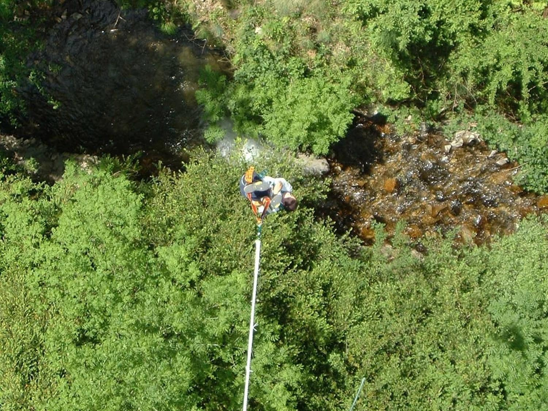 Saut à l'élastique au Pont de Bézergue : Elastic Jump - LACROUZETTE