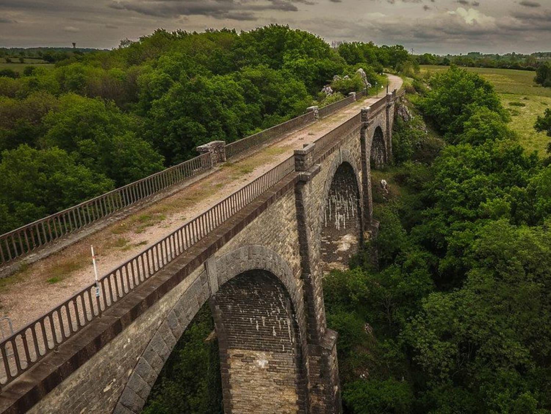 Saut à l'élastique depuis le Viaduc de Coquilleau : Elastic Bungee - La Chataigneraie