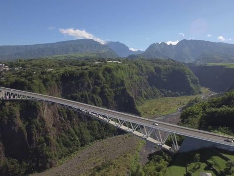 Saut à l'élastique à l'Île de la Réunion : Vertikal Jump - St Pierre