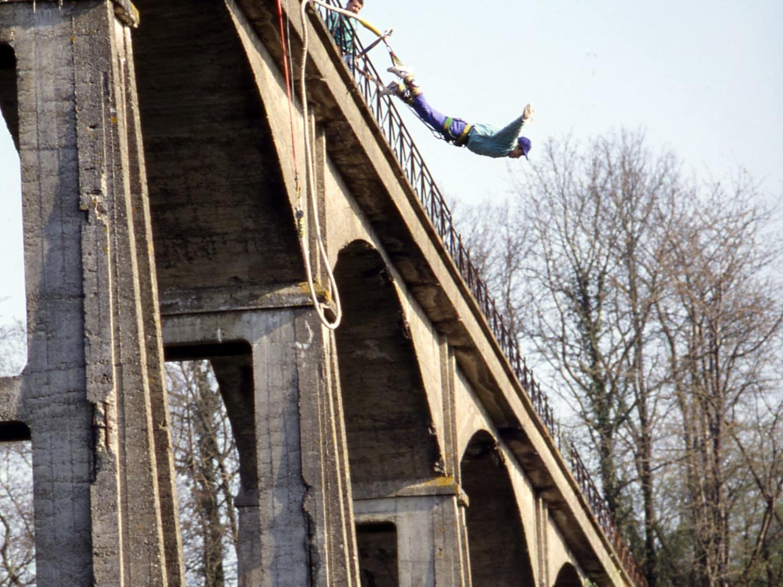 Elastique record - viaduc à Saint Georges le Gaultier - Saint-Georges-le-Gaultier