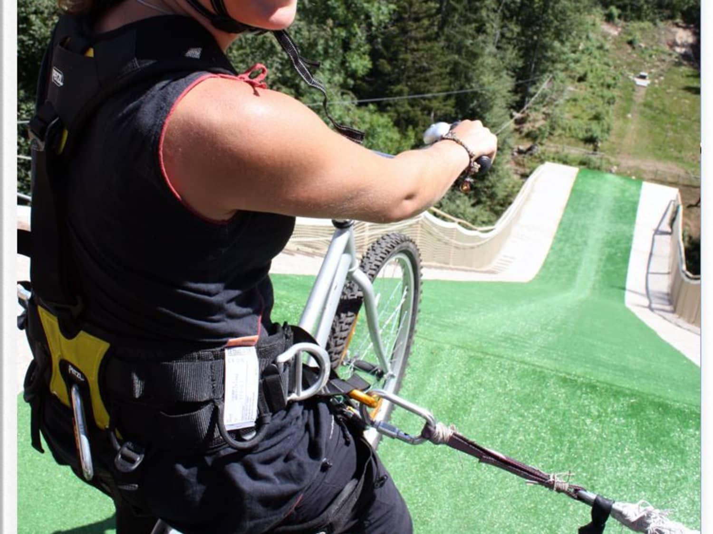 BUN-J-RIDE saut à l'élastique sur tremplin - Saint-Jean-de-Sixt