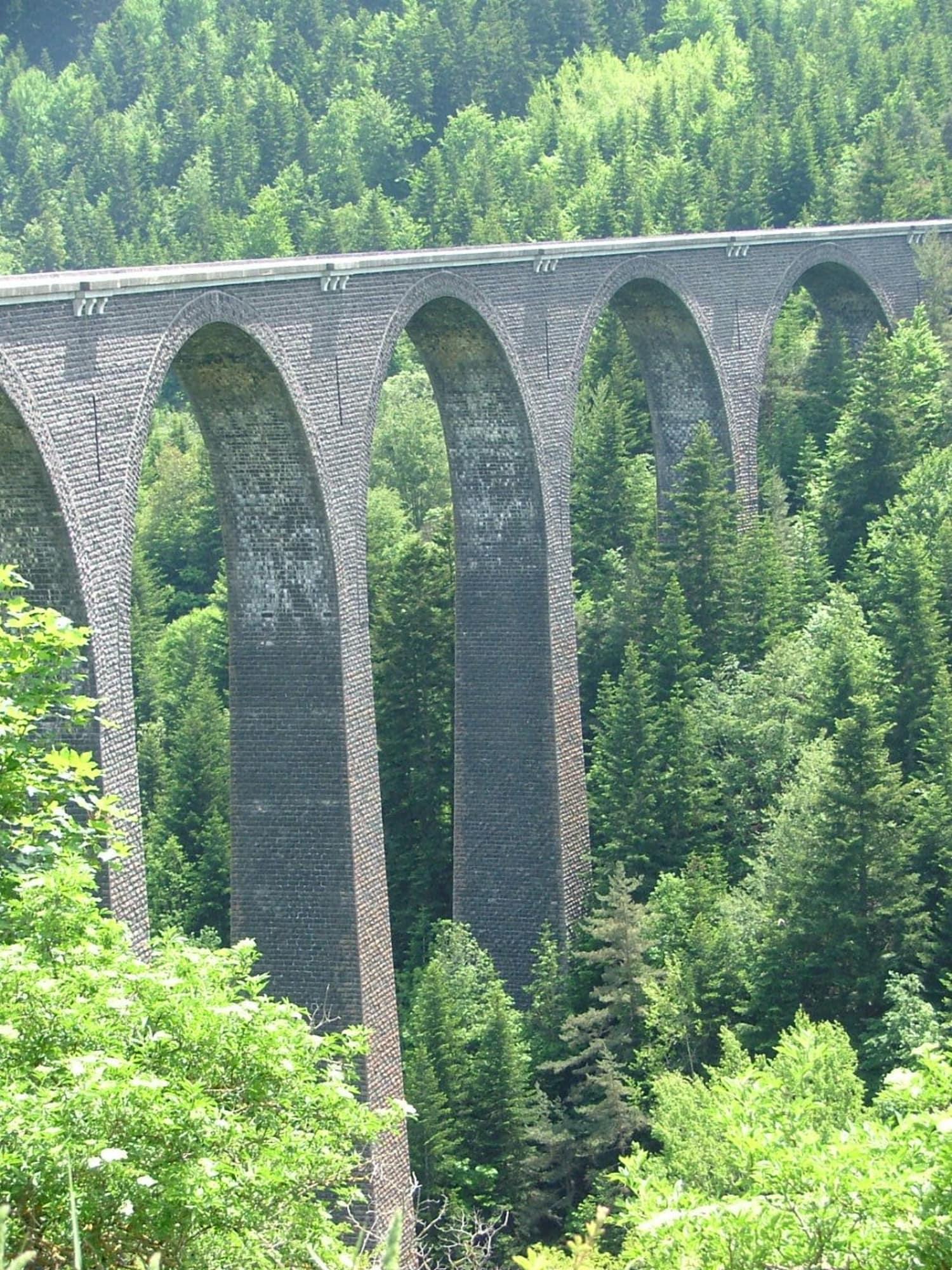 Saut à l'élastique depuis le Viaduc de la Recoumène - Le Monastier sur Gazeille