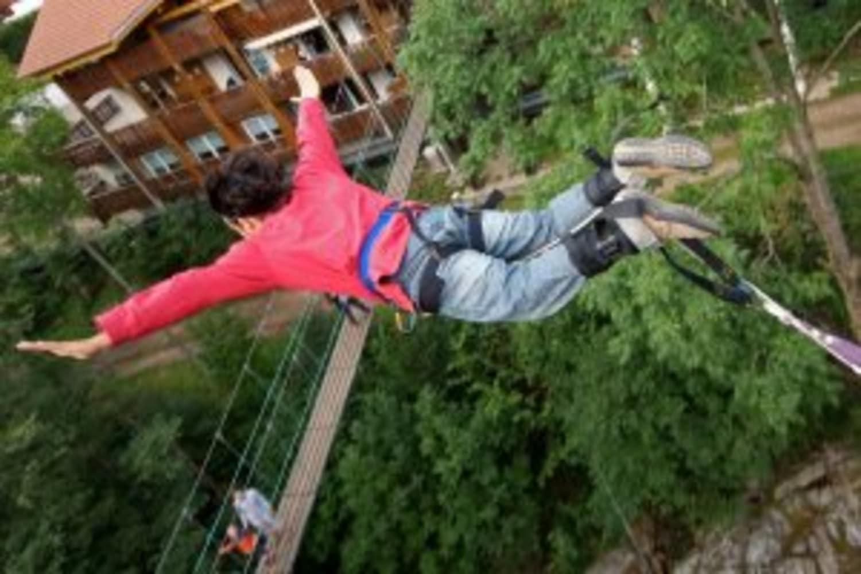 Saut à l'élastique dans les Vosges : Bol d'Air - La Bresse