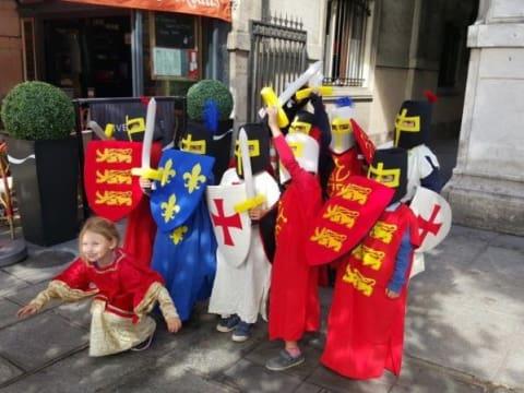 Balade costumée pour enfants : le Paris du Moyen Age!