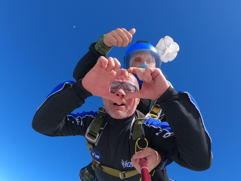 Comment offrir un saut en parachute