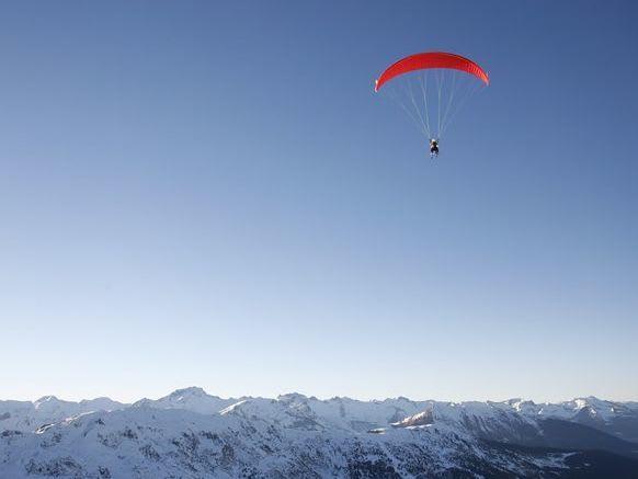 vol en parapente a la montagne