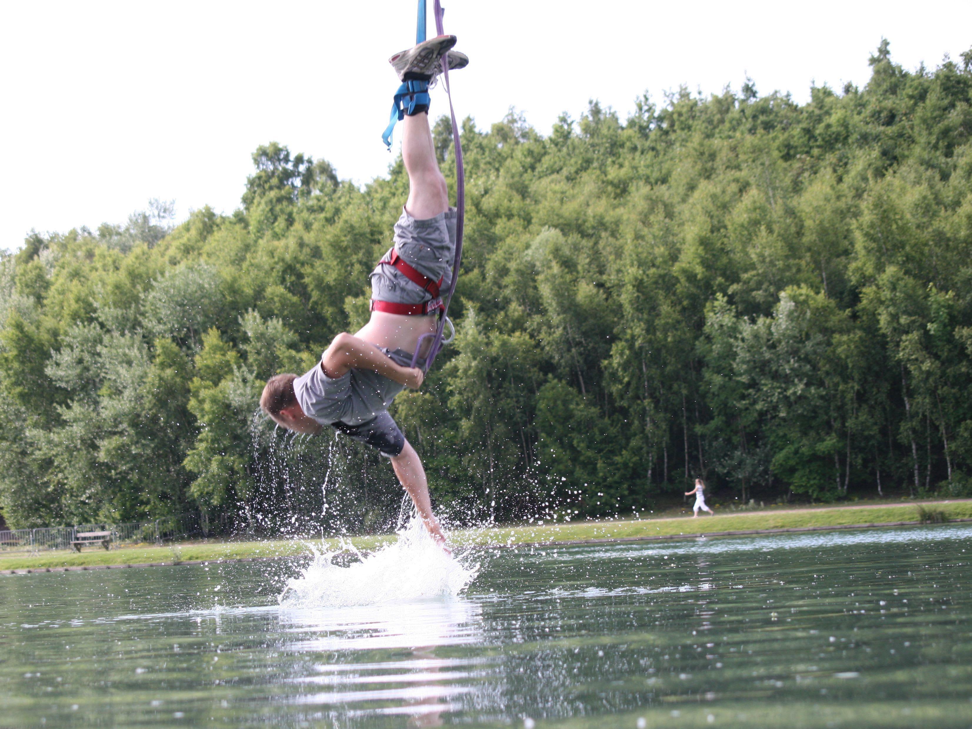 age-saut-elastique
