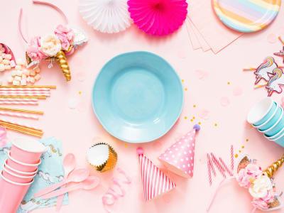 assiette avec décorations de licornes