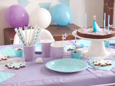 table d'anniversaire décorée